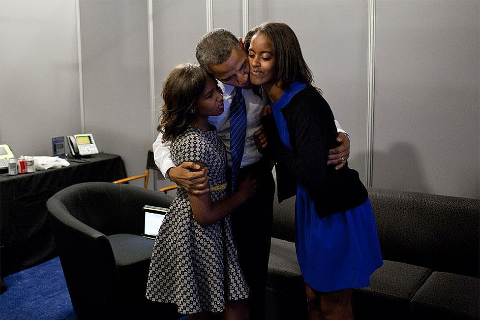 President Barack Obama gave his girls kisses on Father's Day. Source: Twitter user BarackObama