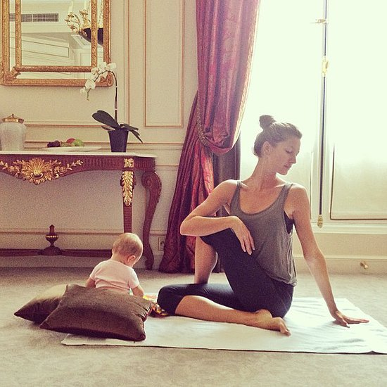 Gisele Bündchen practiced yoga before work with baby Vivian by her side.  Source: Instagram user giseleofficial