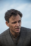 Tony Goldwyn plays Tris's dad, Mr. Prior.