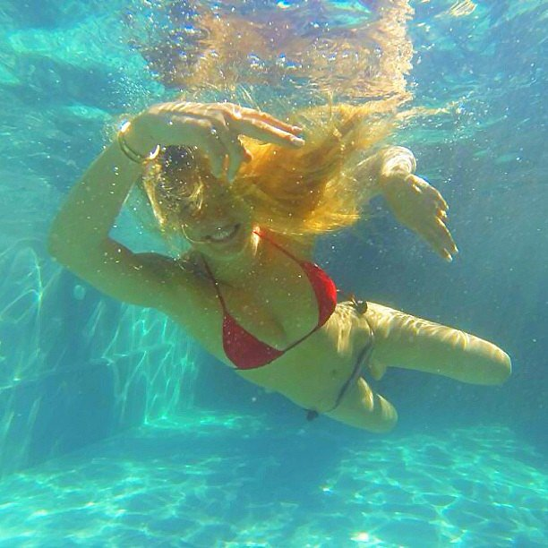 She took a sexy dip in a pool in June 2013. Source: Instagram user barrefaeli