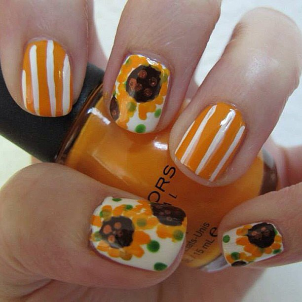 This sunflower manicure is ace for Summer. Source: Instagram user coyarose