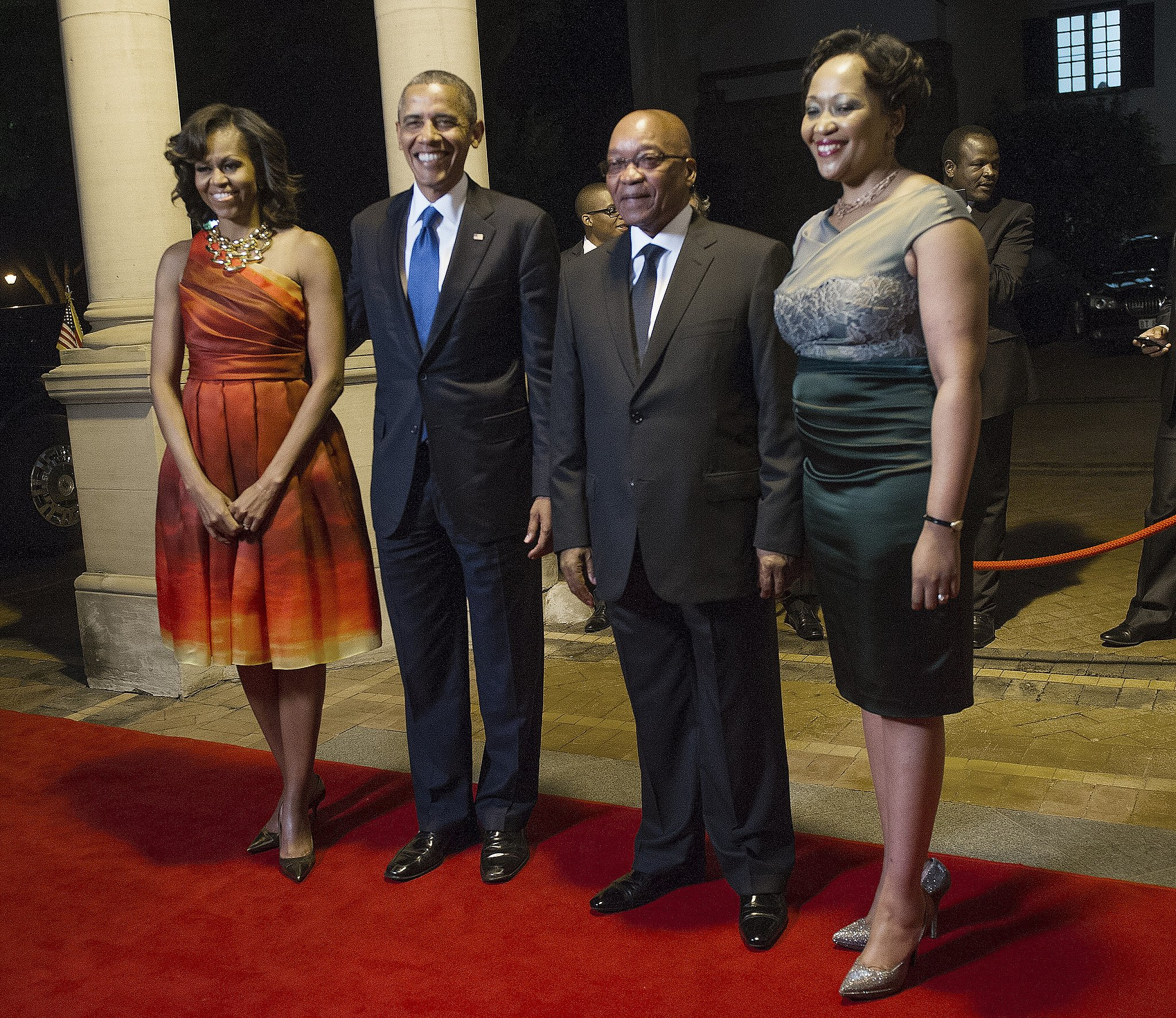 Michelle's dress featured a retro fit-and-flare silhouette.