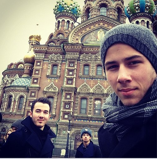 The Jonas Brothers celebrated their first-ever visit to Moscow with this snap. Source: Twitter user JonasBrothers