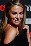 See Jennifer Hawkins' Glossy Hair & Post-Honeymoon Glow!