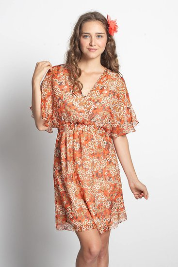 Flowy, lightweight, and beautiful, this Julon silk chiffon dress ($139) is ideal thanks to an inner nursing cami tank and large sleeves made for easy access.