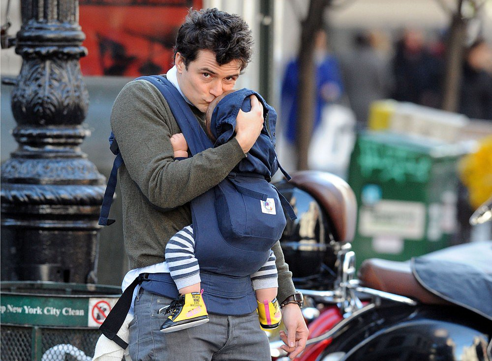 Orlando Bloom was spotted wearing baby Flynn in an Ergobaby carrier throughout the tot's early years.