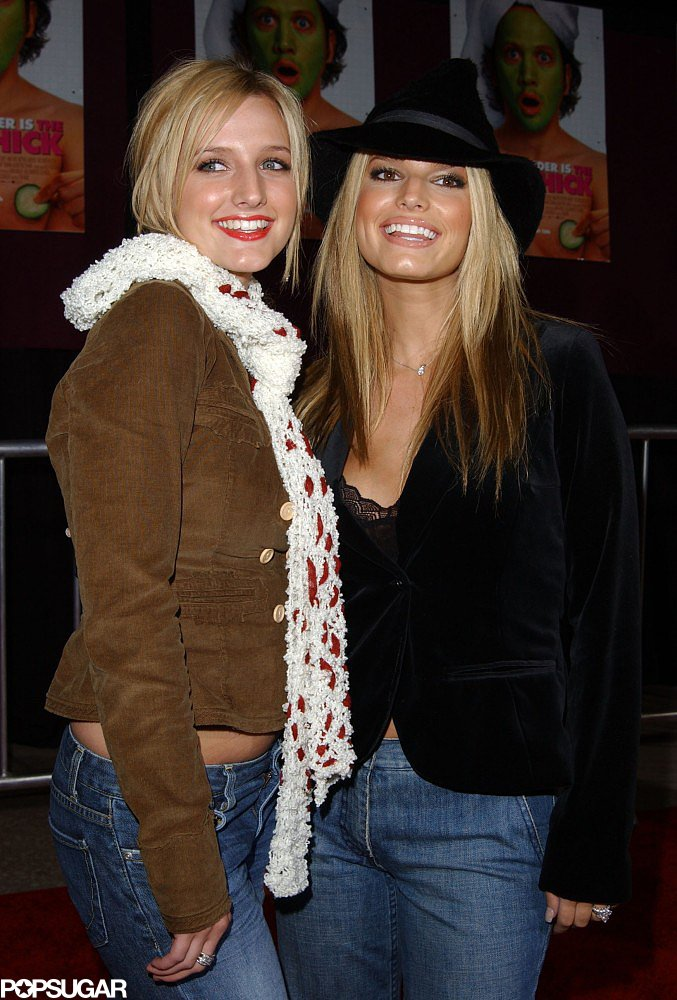 Southern girls Ashlee and Jessica Simpson posed together at a movie screening of Hot Chicks in December 2002.