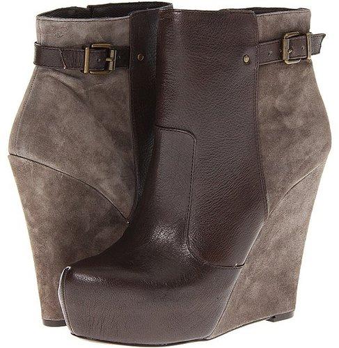 Jessica Simpson - Dyllis (Smokey Taupe) - Footwear