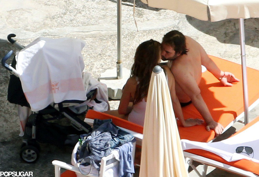 In July 2011, Javier Bardem and Penélope Cruz shared a kiss on the beach in Italy.