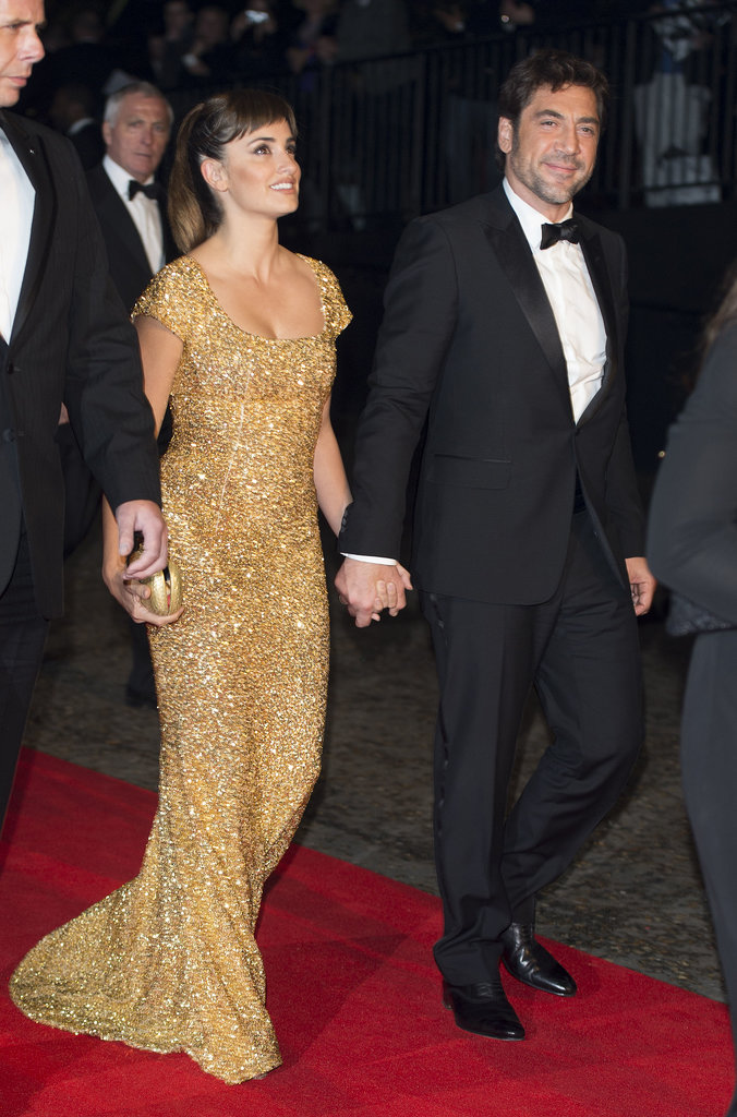 Penélope Cruz and Javier Bardem arrived together at the premiere of Skyfall in London on October 2012.