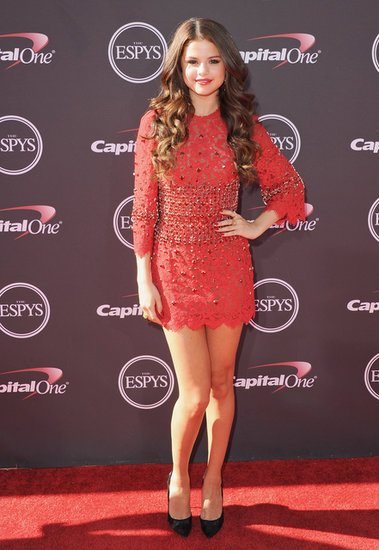 Selena brought major fire to the 2013 ESPY Awards red carpet in a Dolce & Gabbana beaded lace number and Casadei pumps.