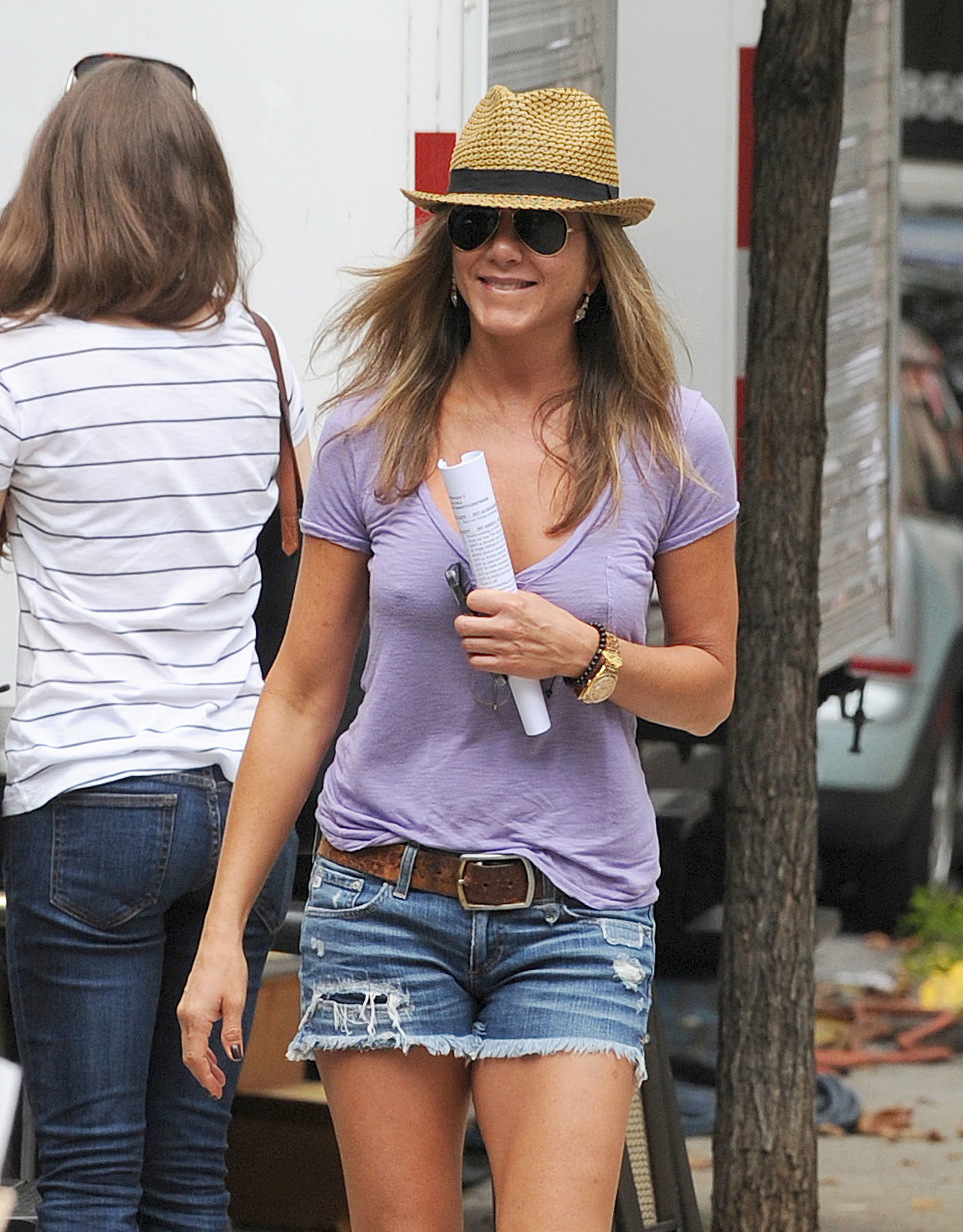 On July 23, Jennifer Aniston filmed Squirrels to t