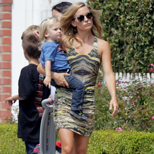 Kate Hudson at Her Son's Lemonade Stand | Pictures