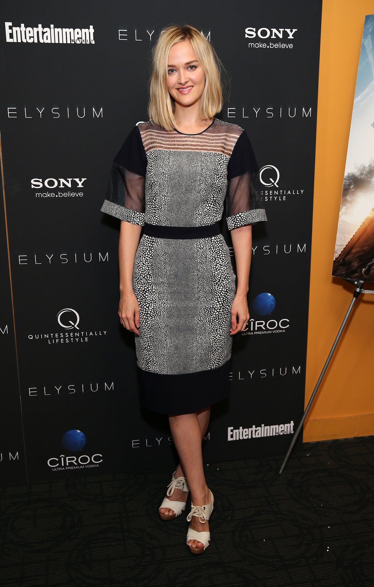 Jess Weixler was sheer perfection in her mixed-medium design while attending the New York screening of Elysium.