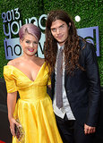 Kelly Osbourne hit the red carpet with her fiancé, Matthew Mosshart, before receiving the Style Icon Award.