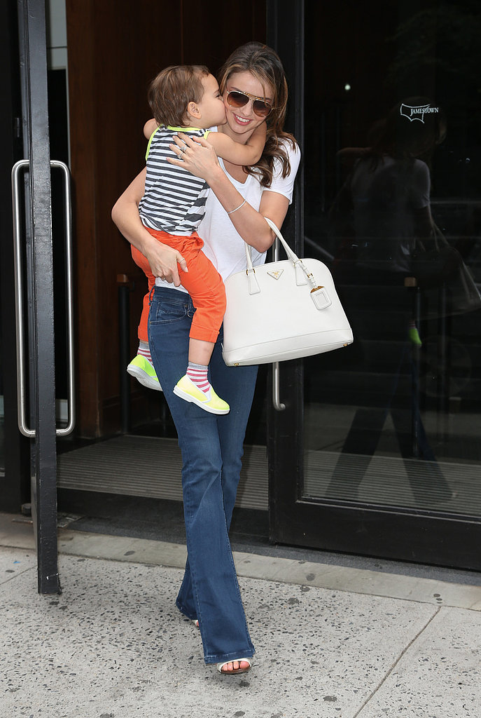 Flynn Bloom gave Miranda Kerr a kiss.