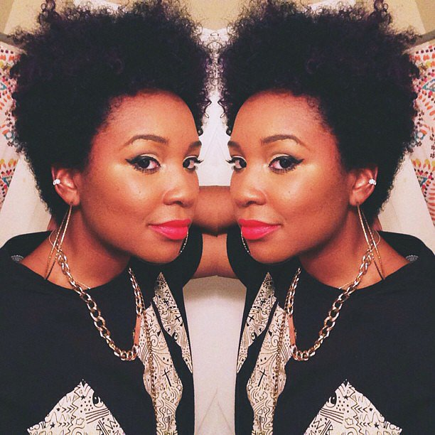 Natural hair, winged liner, and hot-pink lips make an ace look. Source: Instagram user lo_dubya