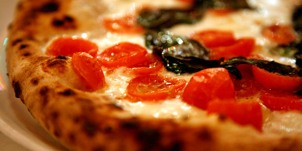 From Pepperoni to Sicilian: Calories in That Slice of Pizza