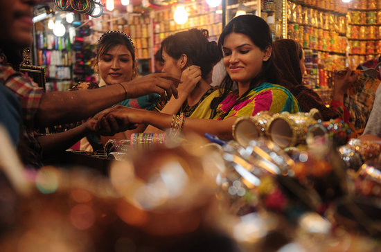 Women in Karachi, Pakistan, shopped for bangles ahead of Eid al-Fitr.