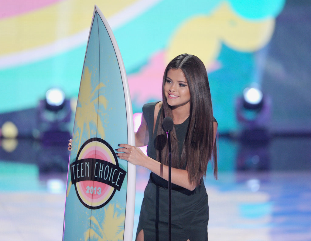 Selena Gomez accepted an award at the Teen Choice Awards.