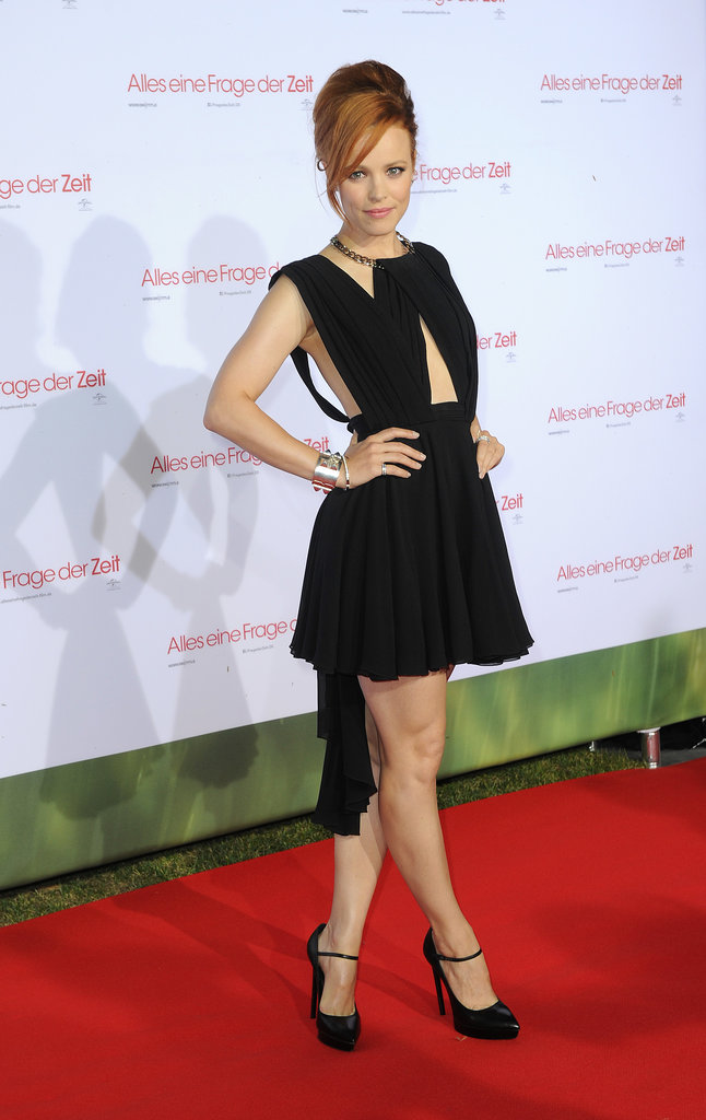 Rachel McAdams struck a pose while walking the red carpet.