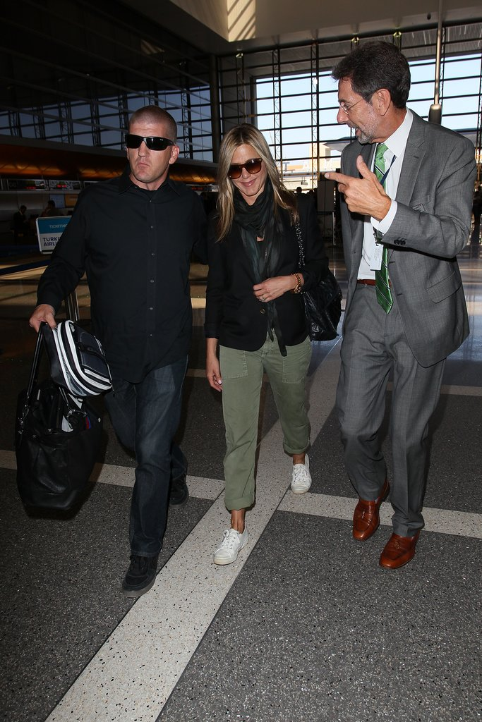 Jennifer Aniston Jets Out of LAX After Justin's Big Bash