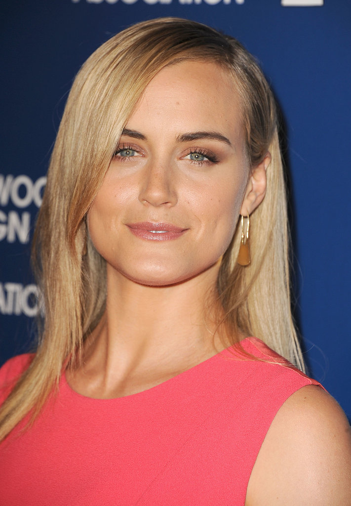 Orange Is the New Black star Taylor Schilling proves that brown shadow should be in every woman's makeup arsenal. The mauve look is ideal for a brunch or luncheon.