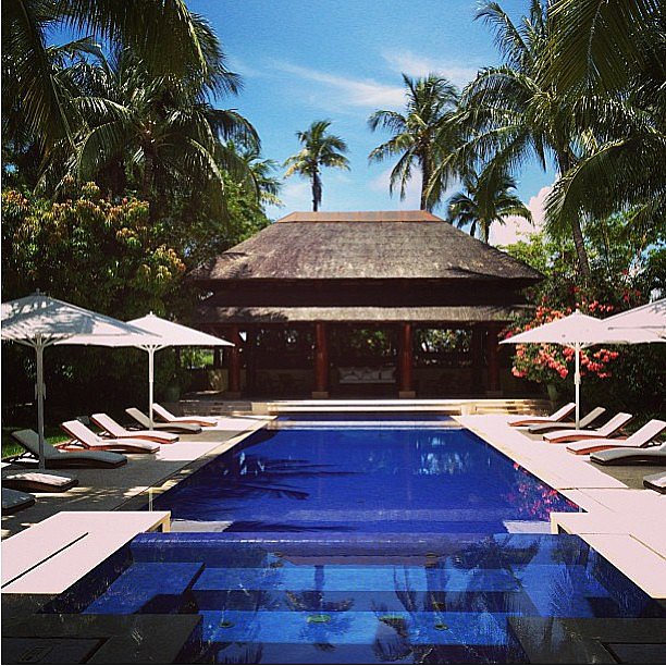 Is this a dream? Between the spa and the cabana, this pool has all the requirements for a relaxing Summer.  Source: Instagram user le_vie_luxe