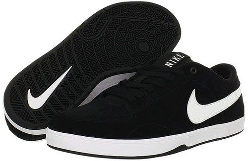 Nike Action - Mavrk 3 (Black/White) - Footwear