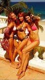 LeAnn Rimes posed with her bikini-clad friends in Cabo. Source: Twitter user leannrimes
