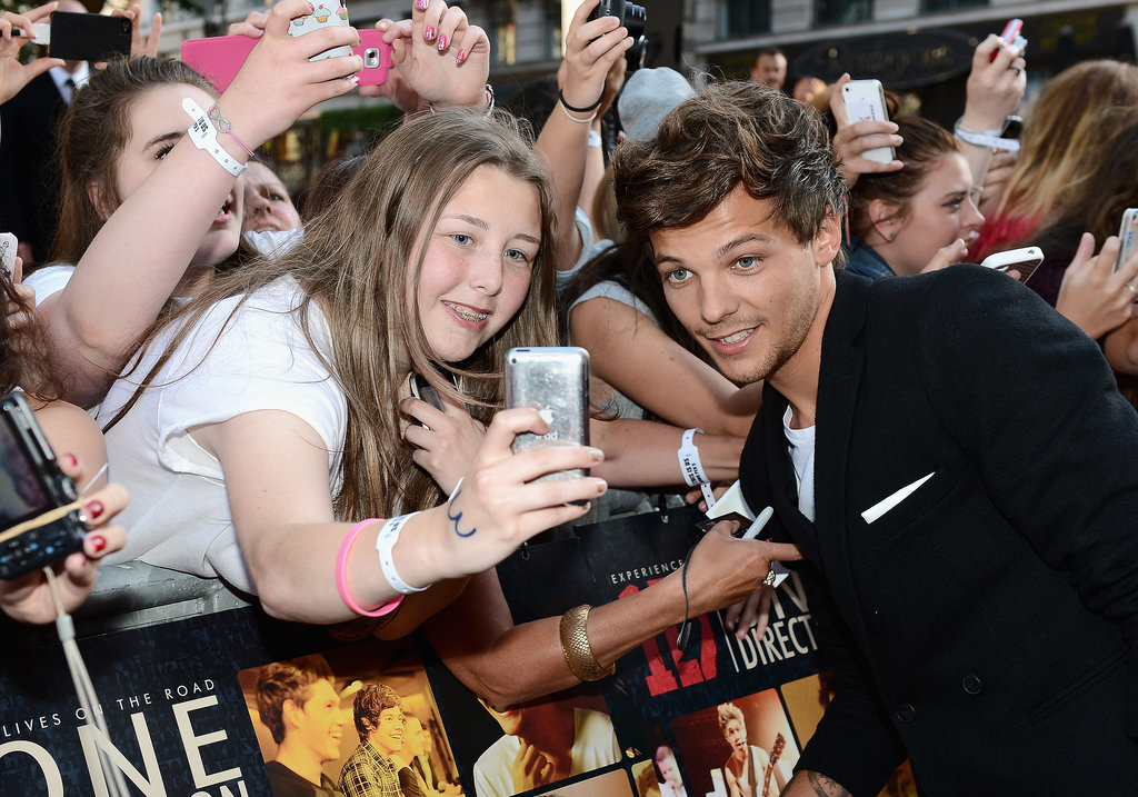Louis Tomlinson chatted with fans.