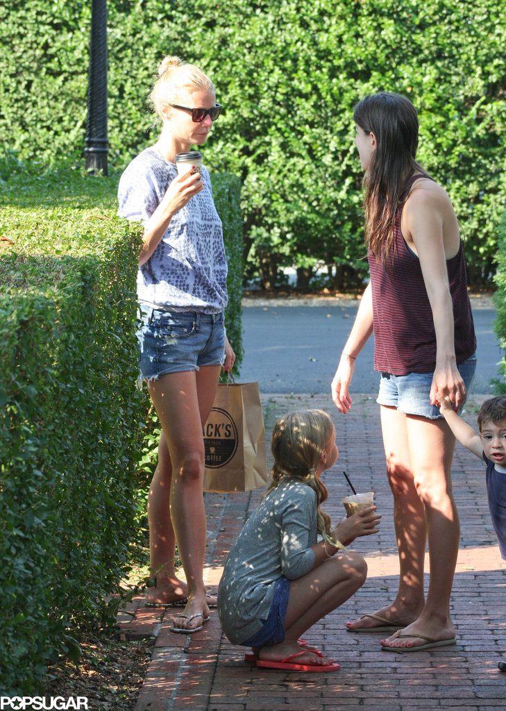 Gwyneth Paltrow Zips Through the Hamptons