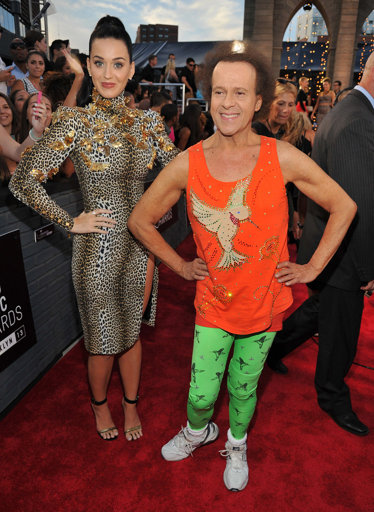 Katy Perry was joined by Richard Simmons on the VMAs red carpet.
