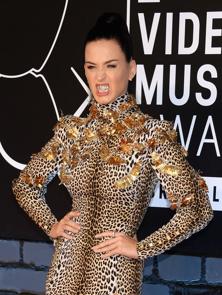 Katy Perry Roars Her Way Through the VMAs