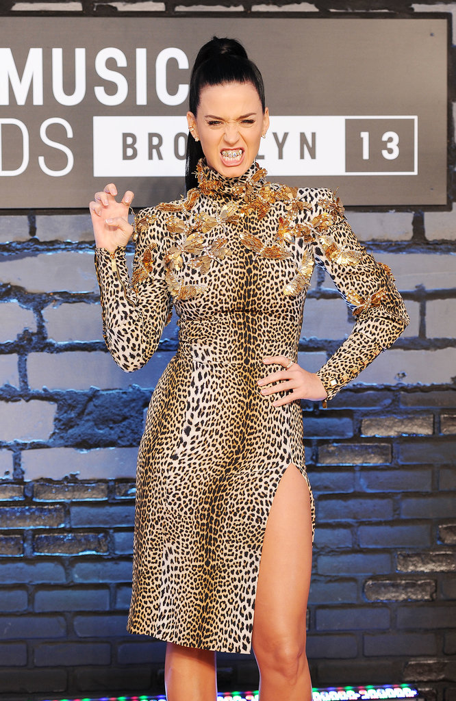 "Katy Perry gave a ""roar"" on the VMAs red carpet."