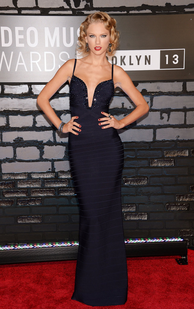 Taylor Swift struck a pose on the MTV VMAs red carpet.