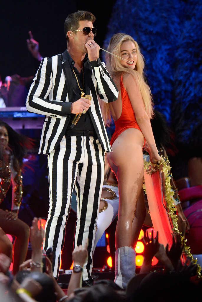 Robin Thicke performed at the VMAs.