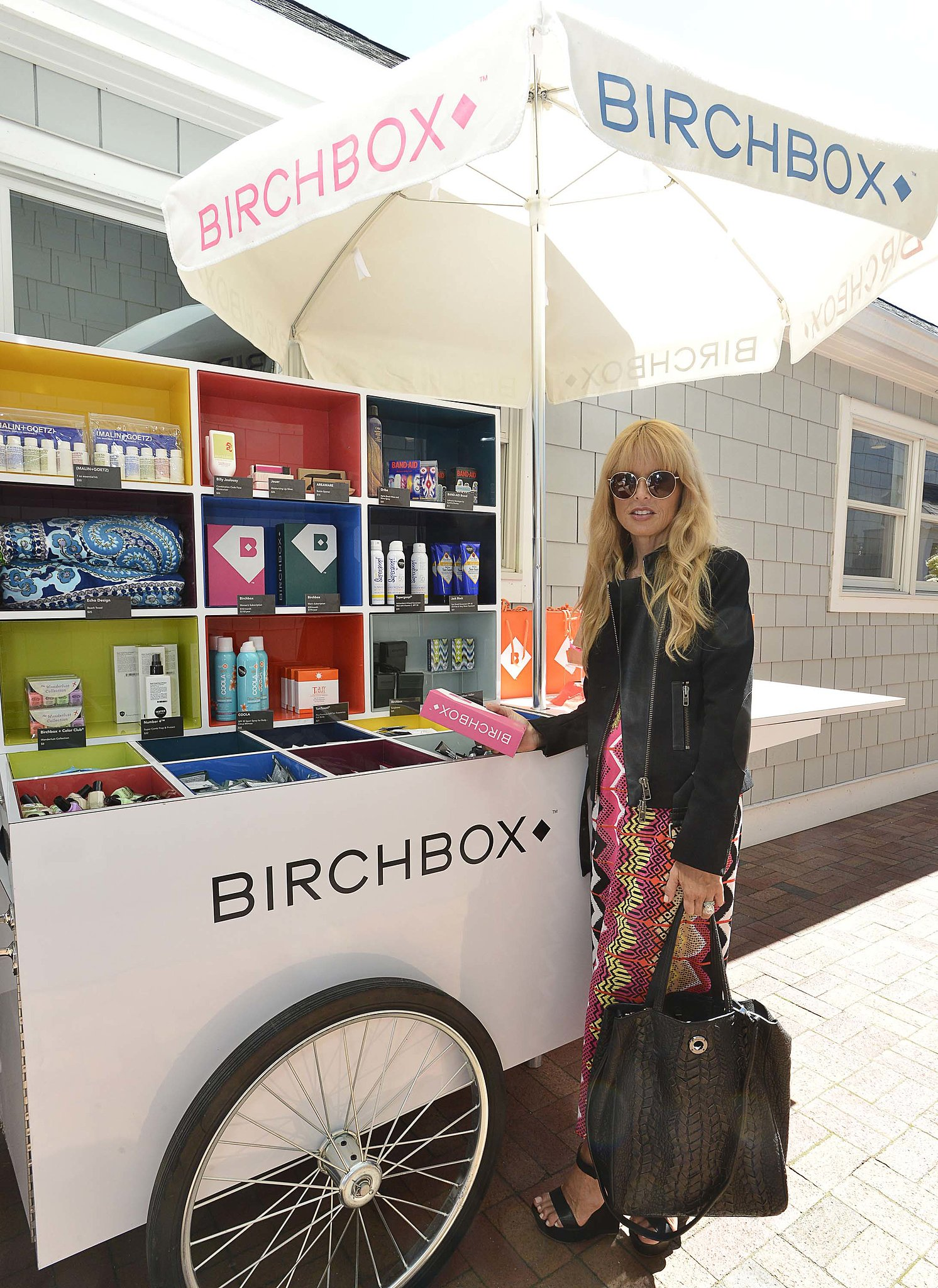 Rachel Zoe stopped by the Birchbox cart in the Hamptons in summery printed style.