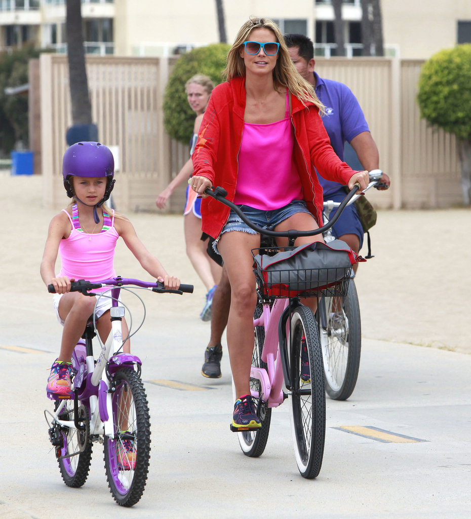 Heidi Klum and Leni Samuel went for a beachy bike ride in Santa Monica on Saturday.