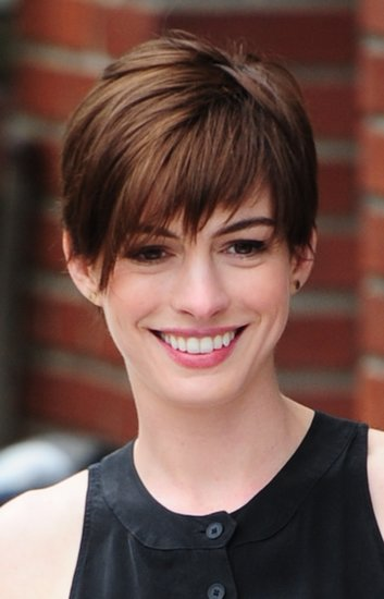 In the past year, Anne Hathaway cut off her hair and even colored it blond, but her current chocolate hue is the shade we love the most.