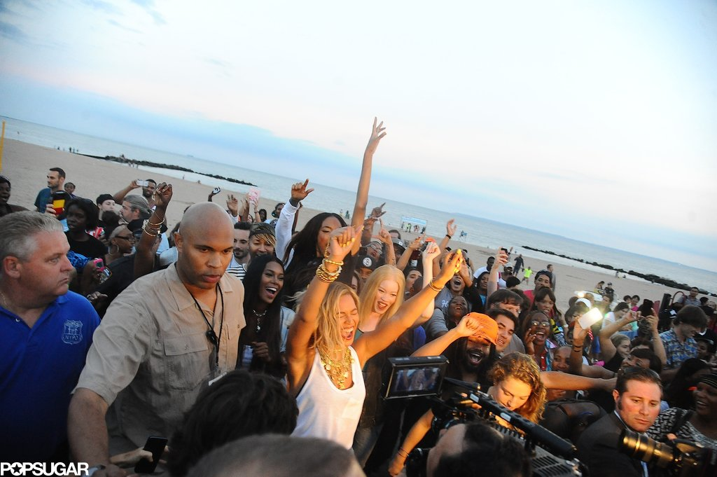 Beyoncé Knowles had a huge dance party as part of her video shoot on Coney Island.