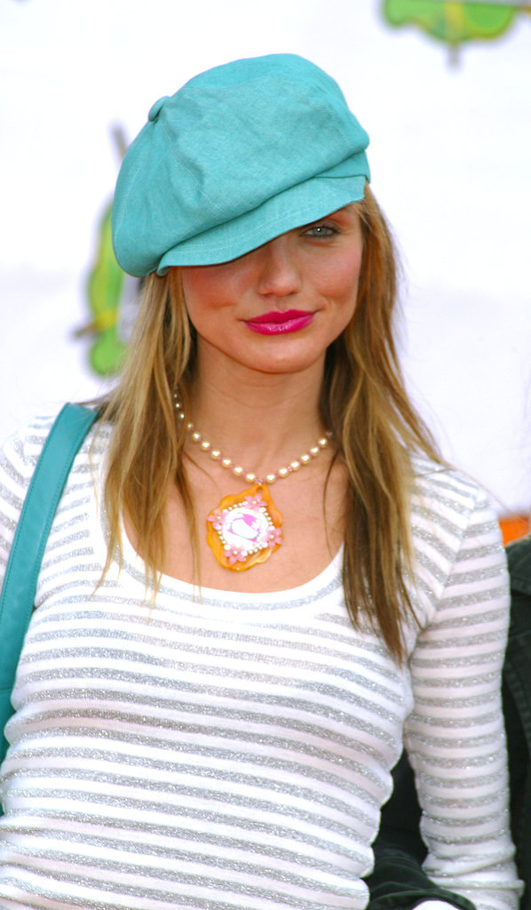 At the 2003 Kids' Choice Awards, Cameron sported a bright blue newsboy cap, pairing it with an equally bold hot pink lipstick.