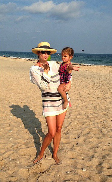 Ivanka Trump and her daughter, Arabella, had a sunny beach day.  Source: Instagram user ivankatrump