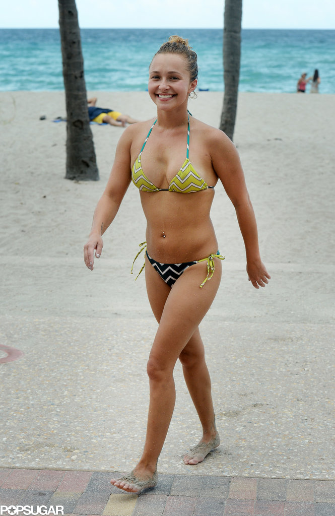 Hayden Panettiere put her rocking bikini body on display to hit the beach during her Miami getaway.
