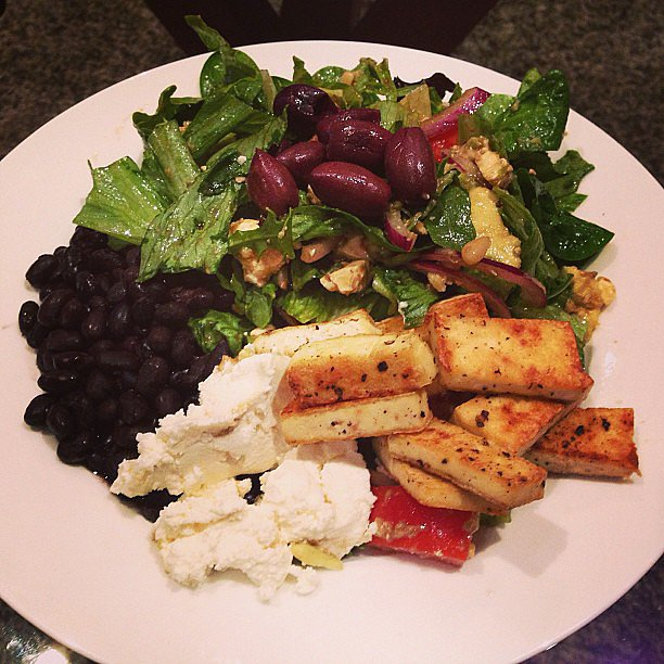 Super fit mum-to-be, Rachel Finch snapped her lunch of tofu, black beans, olives and ricotta — delish! Source: Instagram user rachael_finch