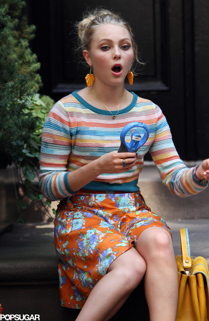 AnnaSophia Robb stepped back into the shoes of Carrie Bradshaw on the NYC set of The Carrie Diaries on Wednesday.