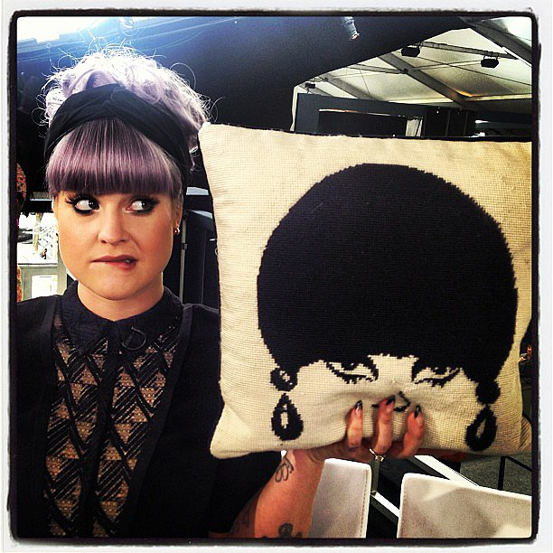 Kelly Osbourne had a mod-chic doppelganger in this Jonathan Adler pillow. Source: Instagram user georgekotsi