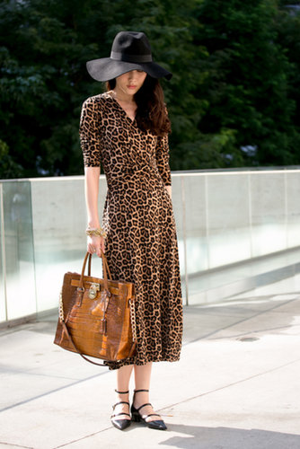 She pared down a lot of leopard with buckled flats.