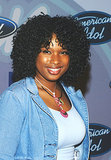 Back in 2004, Jennifer Hudson celebrated the American Idol season three top 12 finalists party with glossy curls and a pretty natural makeup look.
