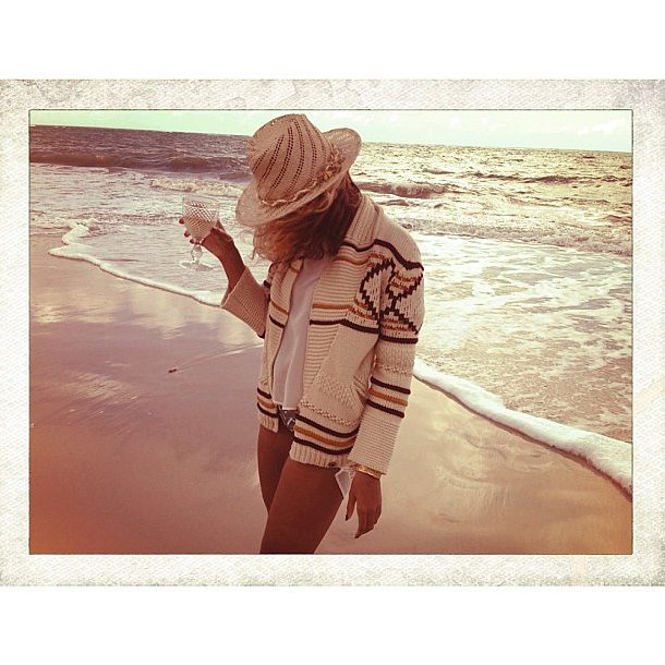 Life's a beach for the dressed-down Beyoncé. Source: Instagram user beyonce